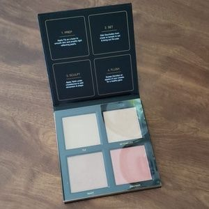 HUDA BEAUTY Makeup - BNWT HUDA BEAUTY 3D Highlighter palette